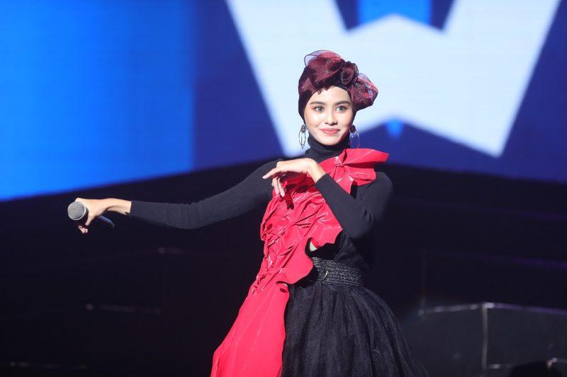李佩玲&玛莎大展语言天赋飙唱7语歌曲!-Woah.MY