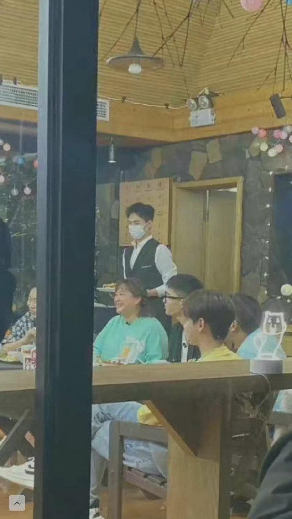 《青春环游记3》杨洋马甲造型+侧颜杀一秒梦回《荣耀》于途!穿睡衣做热身太可爱了!-Woah.MY